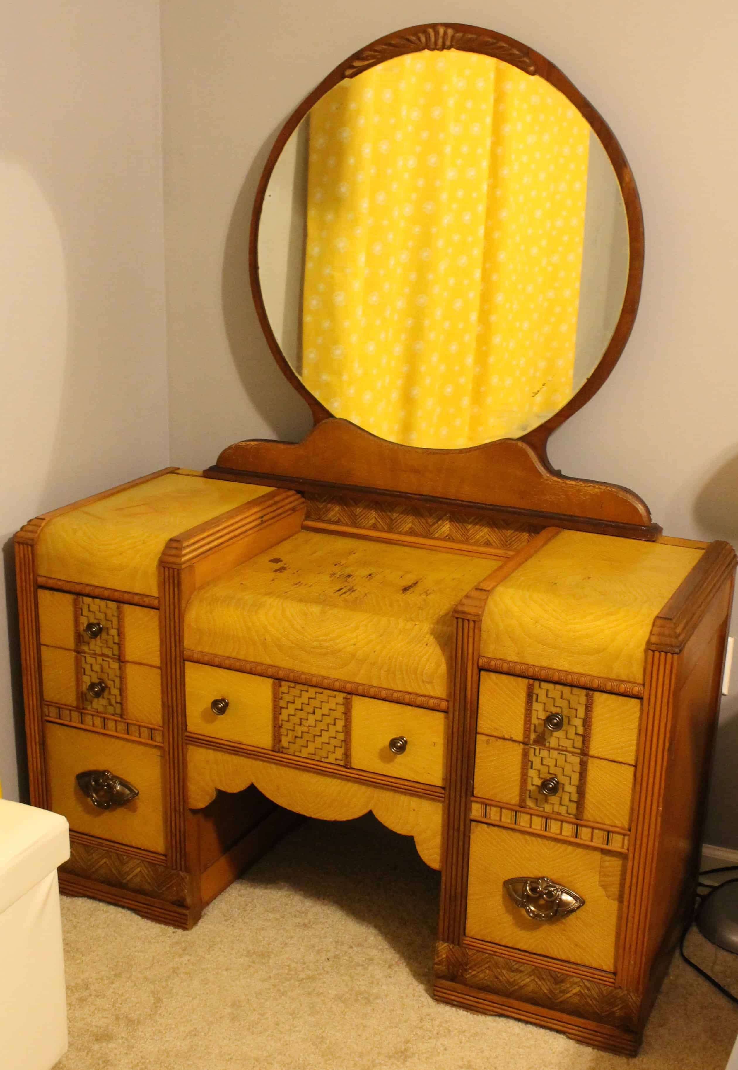 Sprucing up an old Wooden Vanity