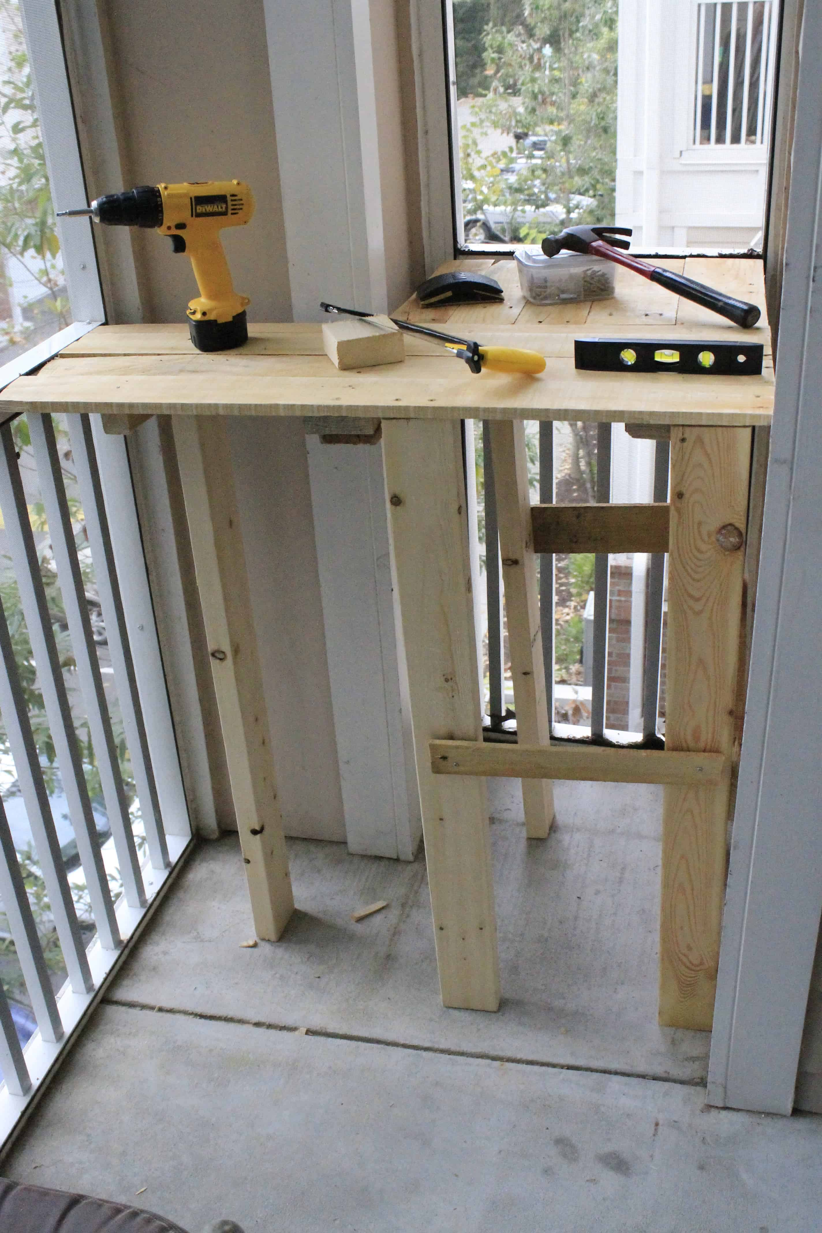 101 in 1001: Build a Work Station for Porch