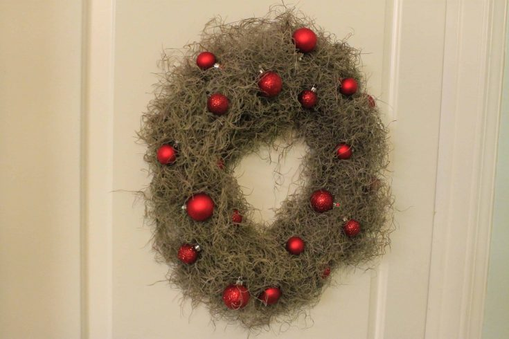 How to make a Spanish Moss wreath
