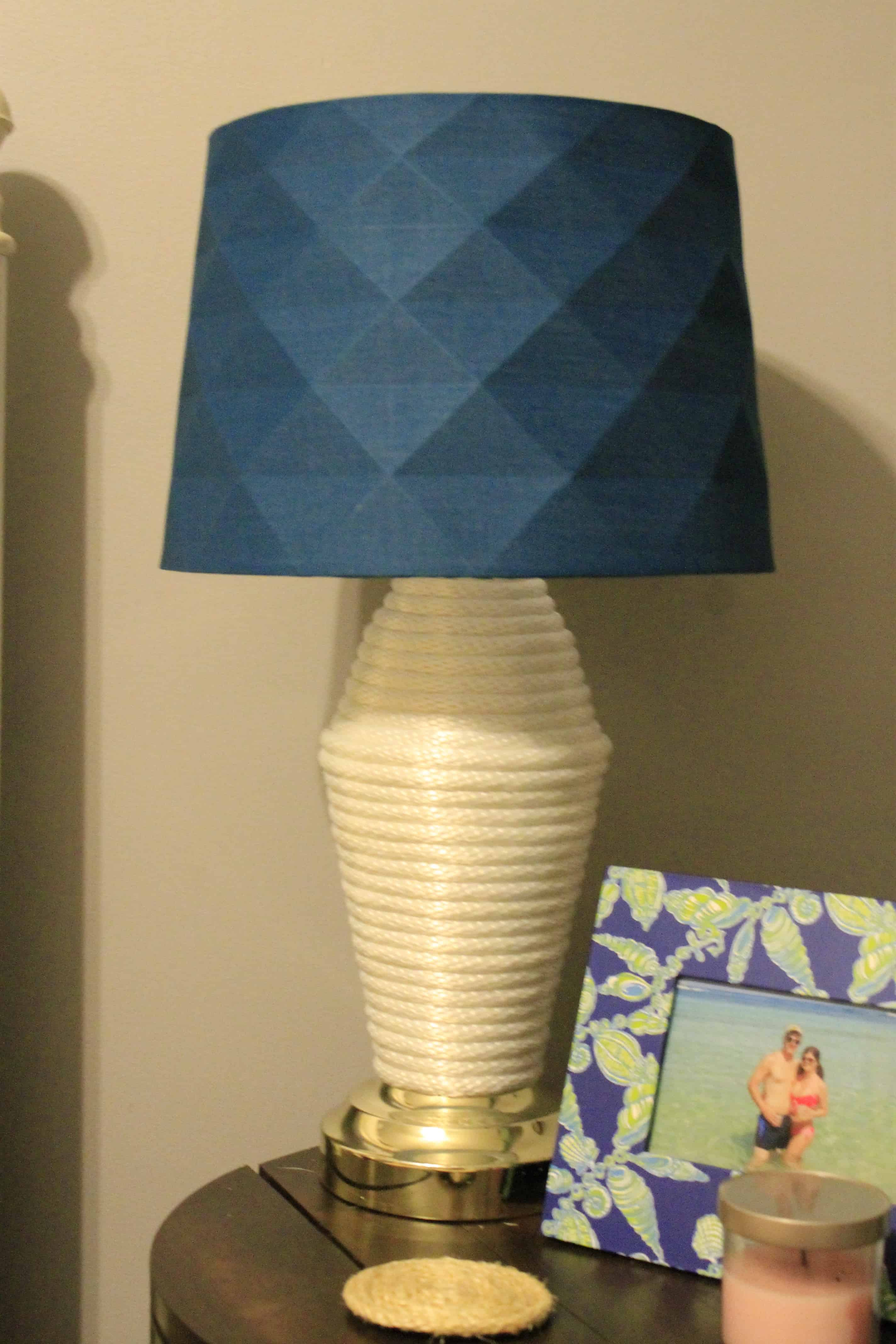 How to cover a lamp with rope