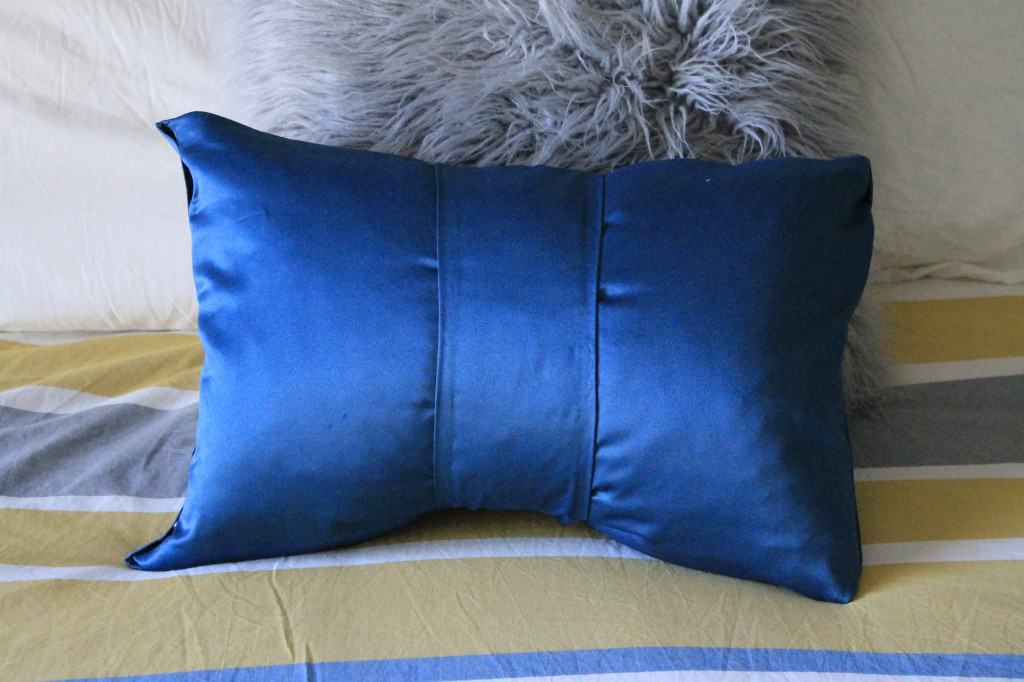 No Sew Bow Pillow