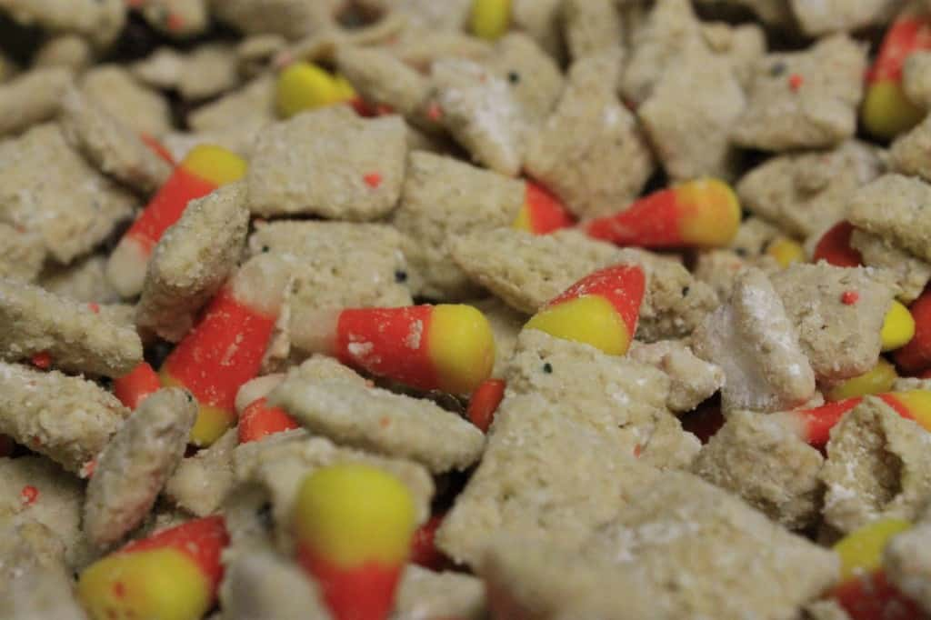 Halloween Puppy Chow - Charleston Crafted
