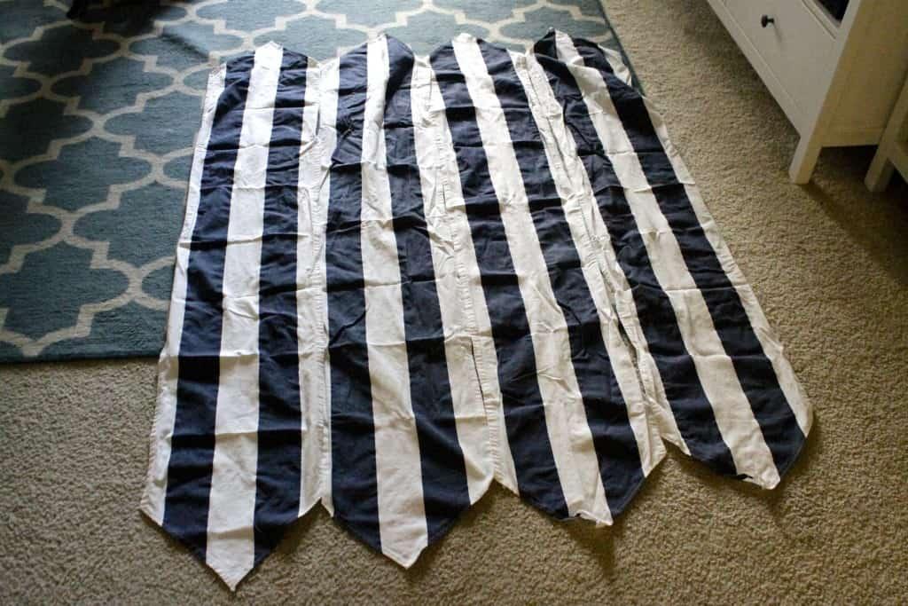 DIY Christmas Tree Skirt - Charleston Crafted