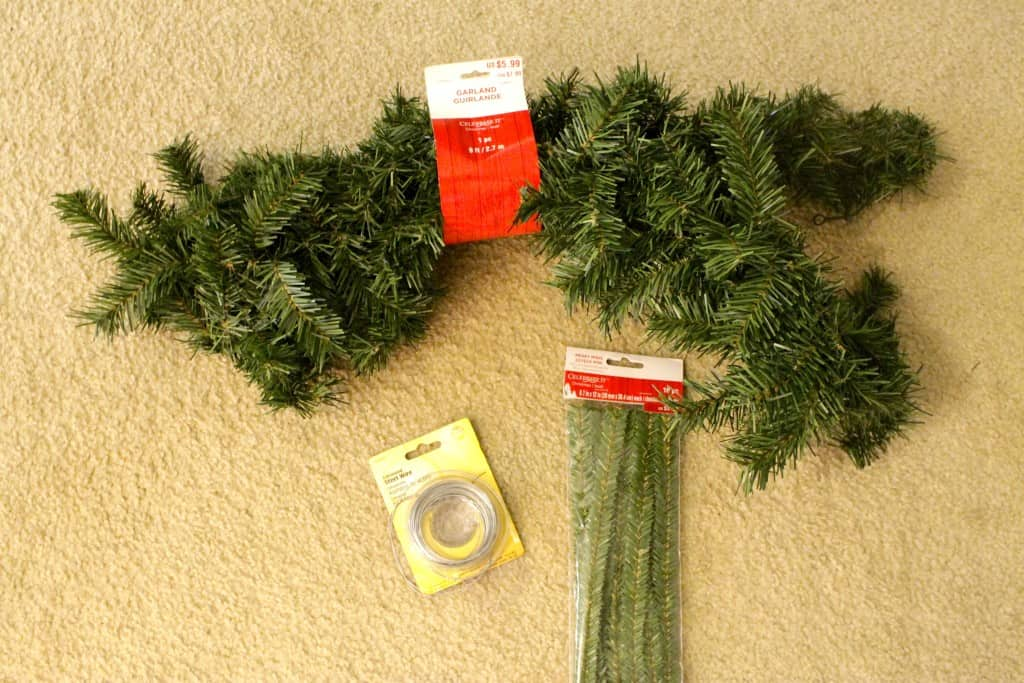 Coastal Christmas: DIY Anchor Garland Holiday Wreath
