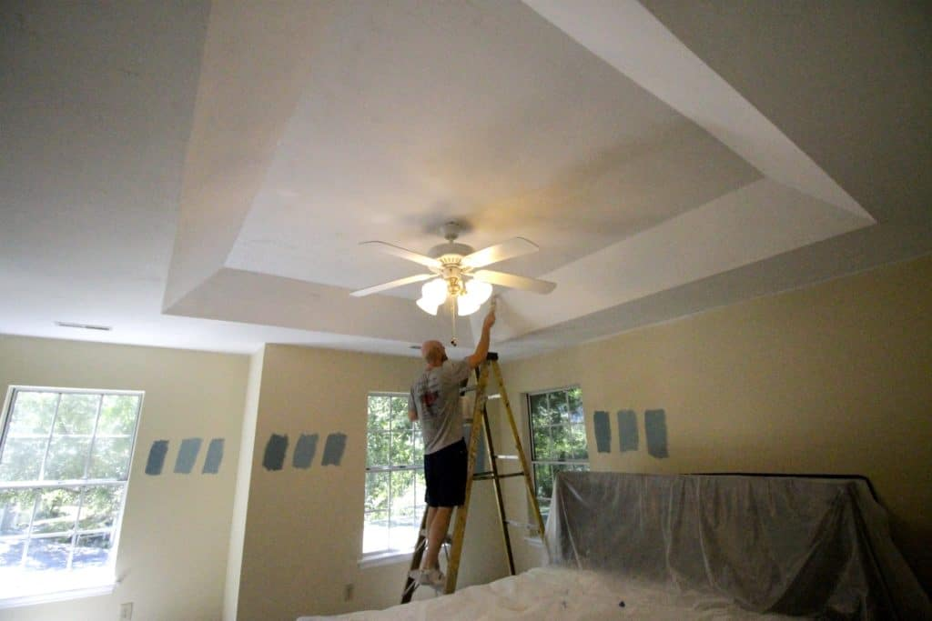 Our Top Tips on How to Scrape Popcorn Ceilings