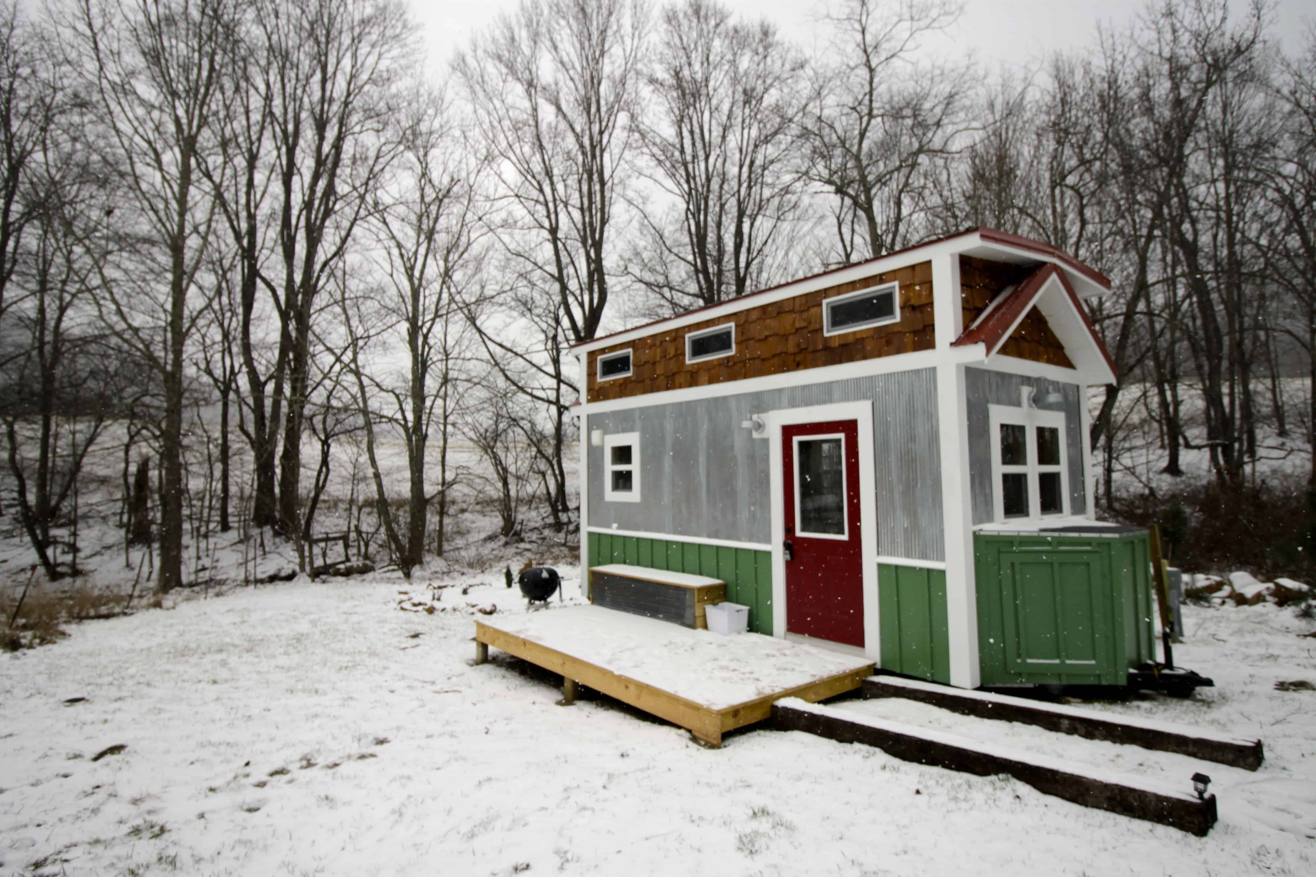 Our Stay in a Tiny Home! - Charleston Crafted