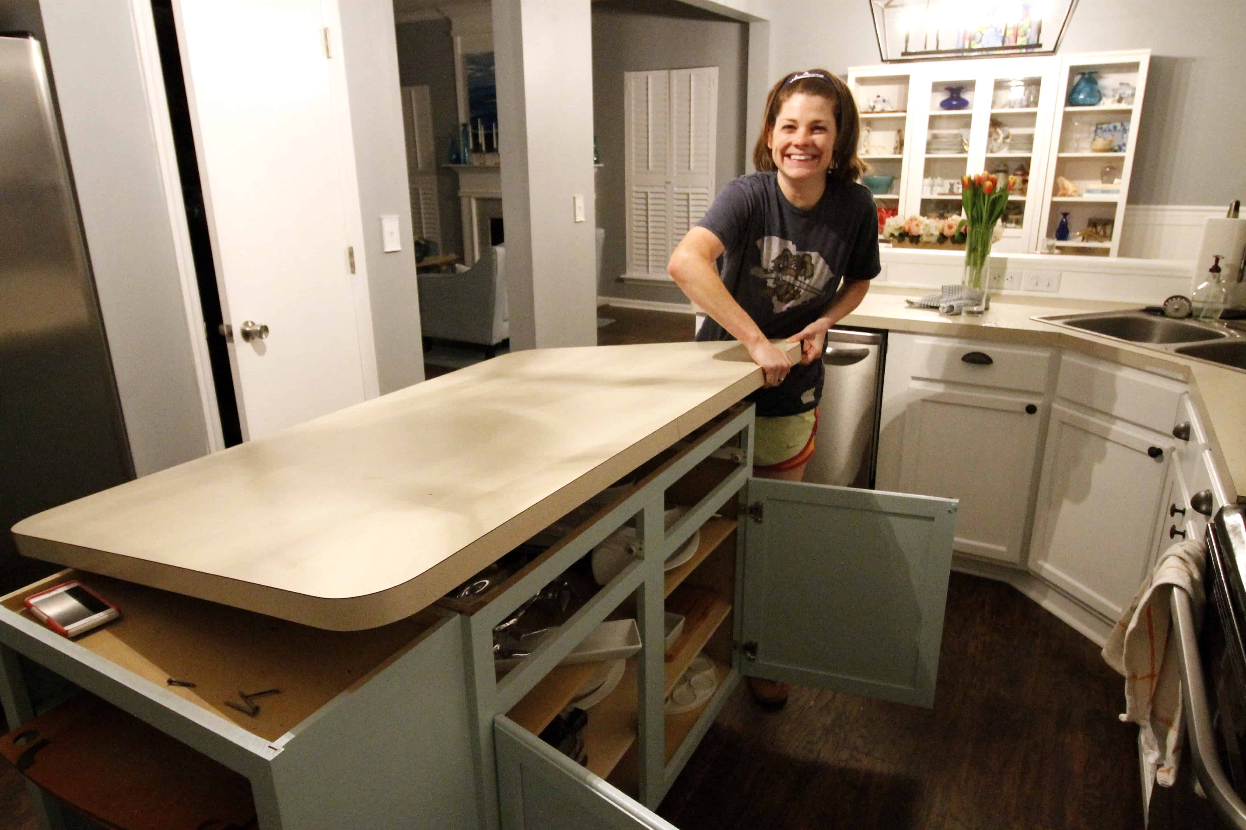How to Remove Old Laminate Countertops & Backsplash ...