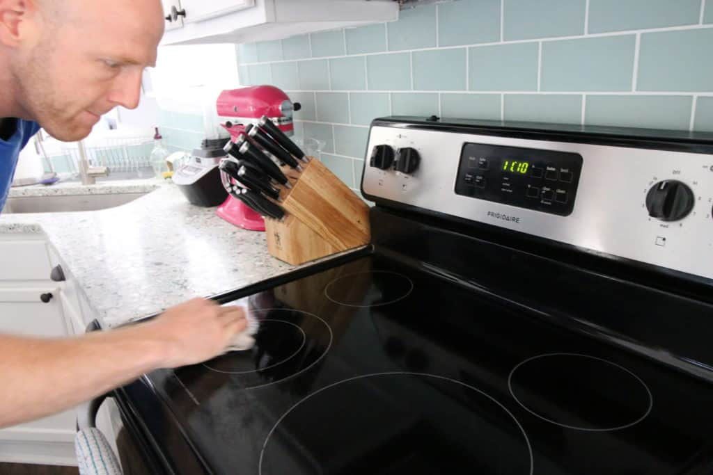 Three ways to clean a glass electric stove - Charleston Crafted