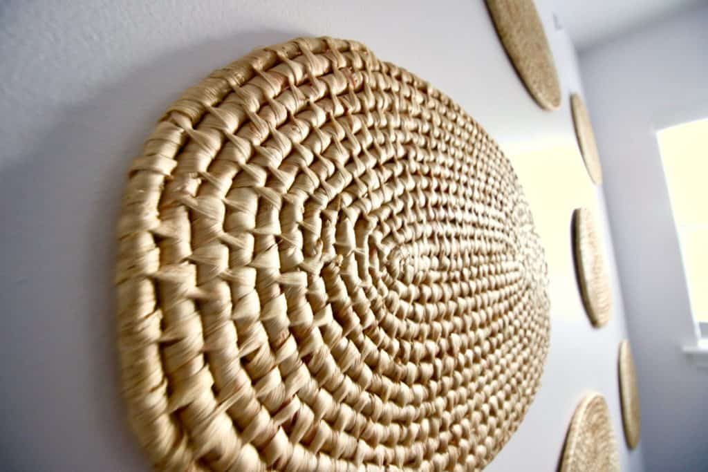 DIY Woven Wall Hanging Display via Charleston Crafted