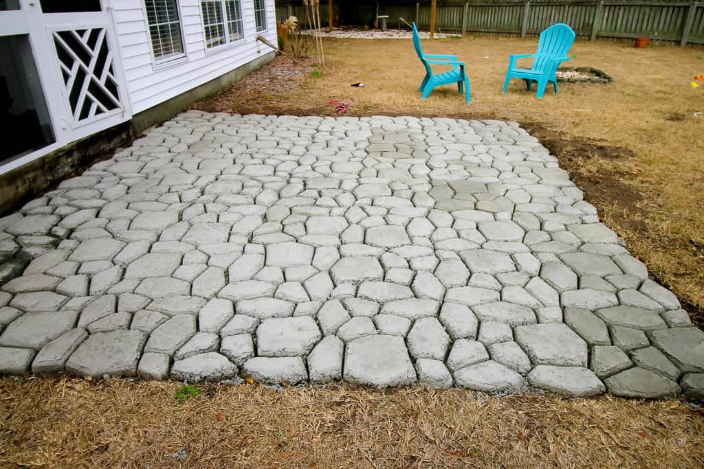 how to make concrete patio look like stone