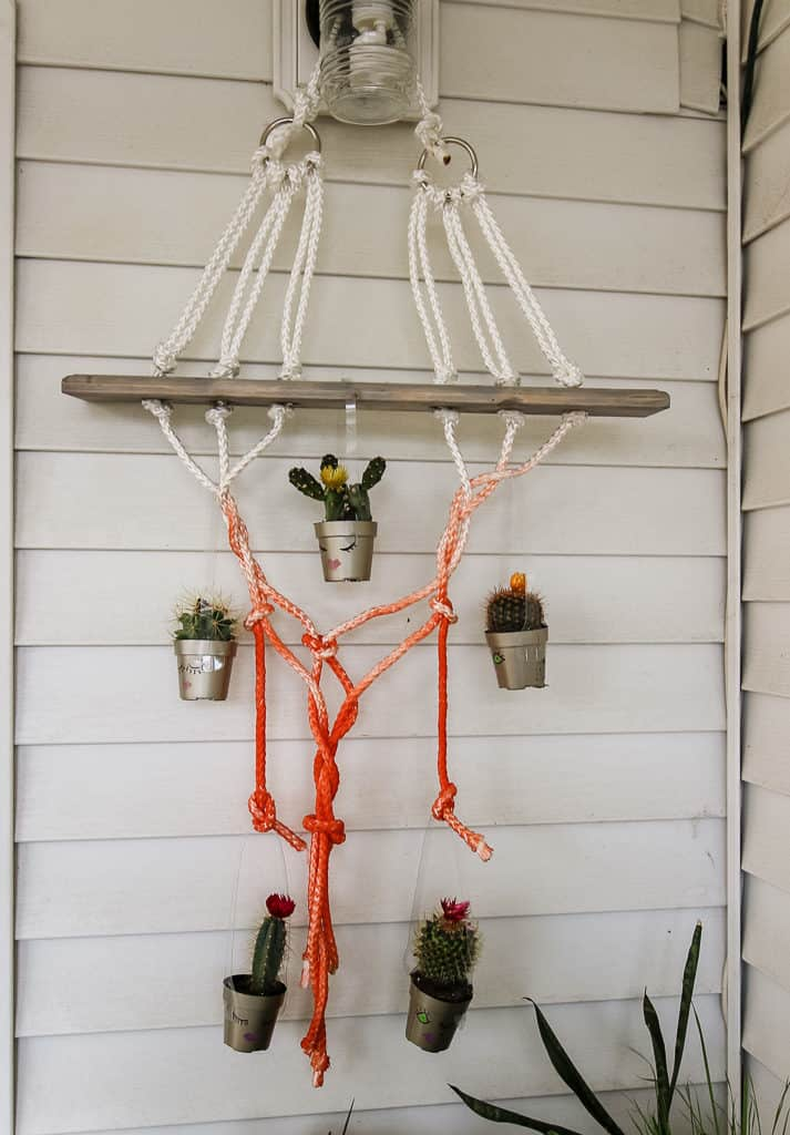 DIY macrame hanging plant holder - via Charleston Crafted