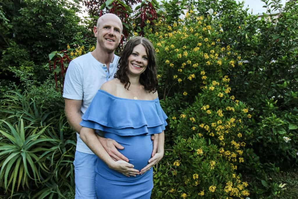 maternity couples photo bermuda garden