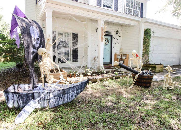 27 Best Outdoor Halloween Decoration Ideas