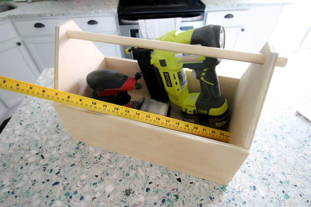 Final photo of toolbox made in 30 minutes