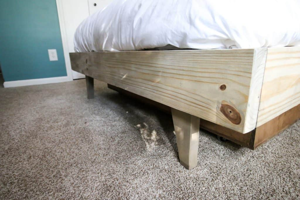Legs of DIY platform bed