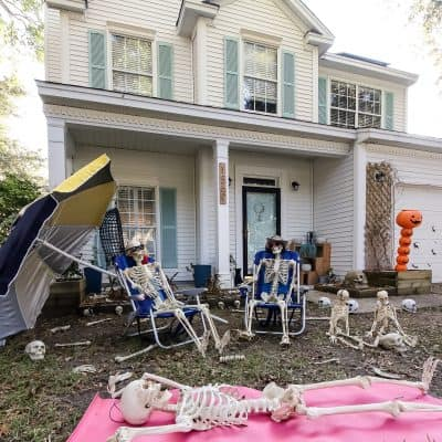 Skeleton Beach Day - a funny Halloween yard display