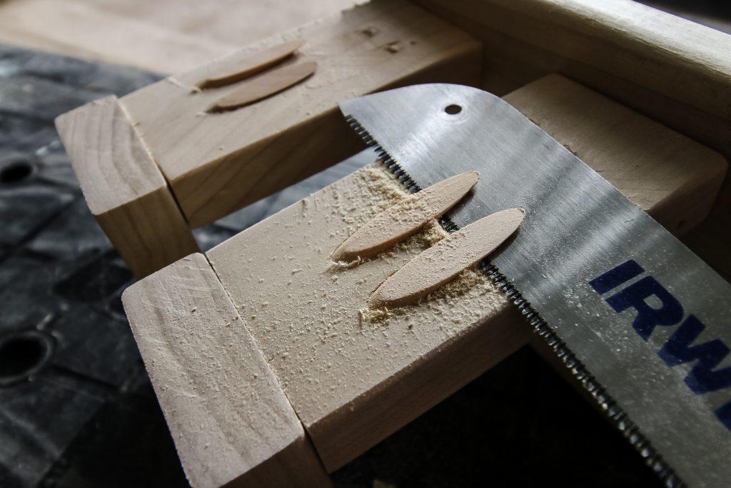Cutting pocket hole plugs