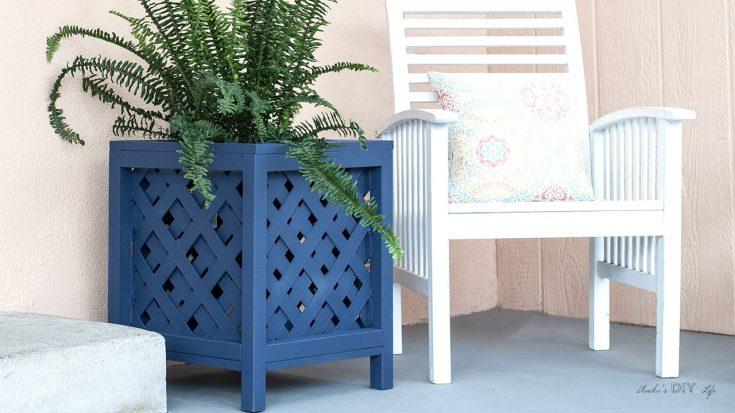 DIY Lattice Planter Box - Easy DIY Planter Box Using Vinyl Lattice