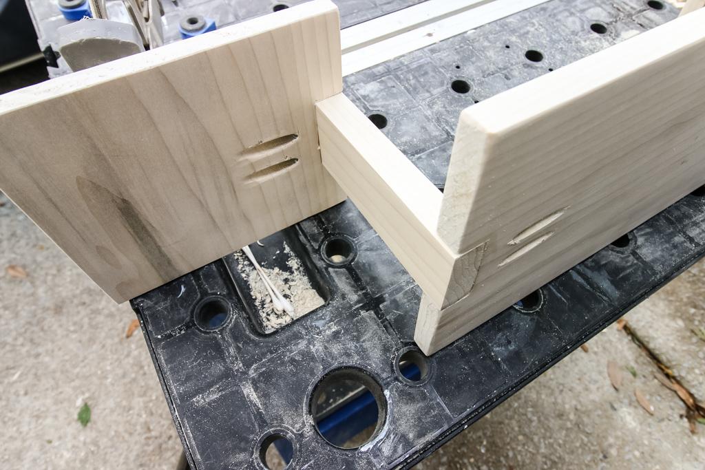 Assembling three tiered serving platter