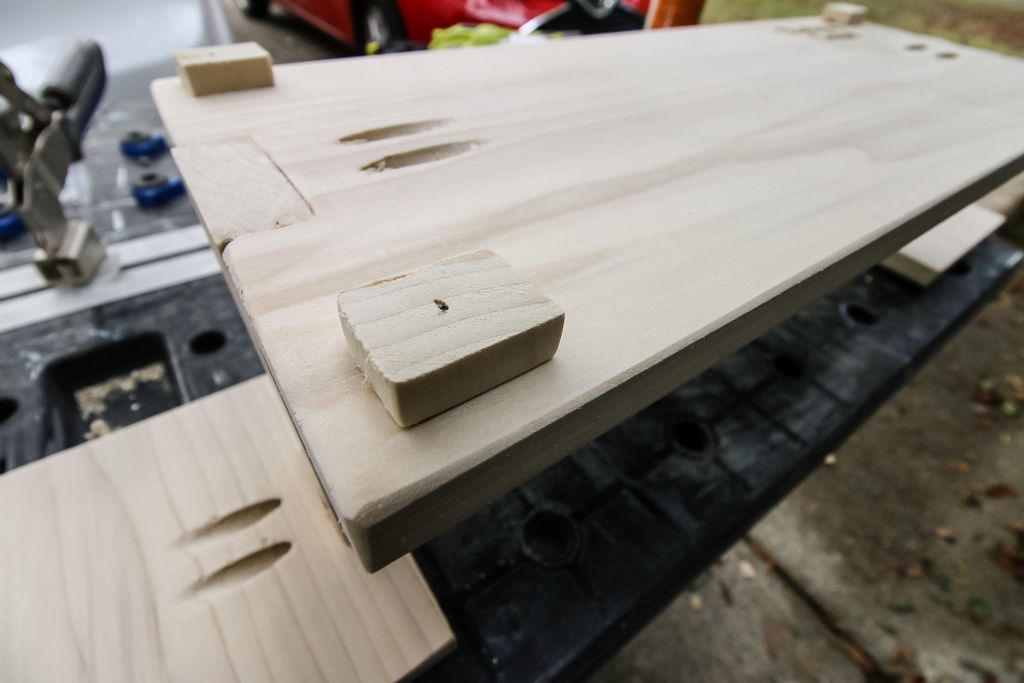 Adding feet to platter