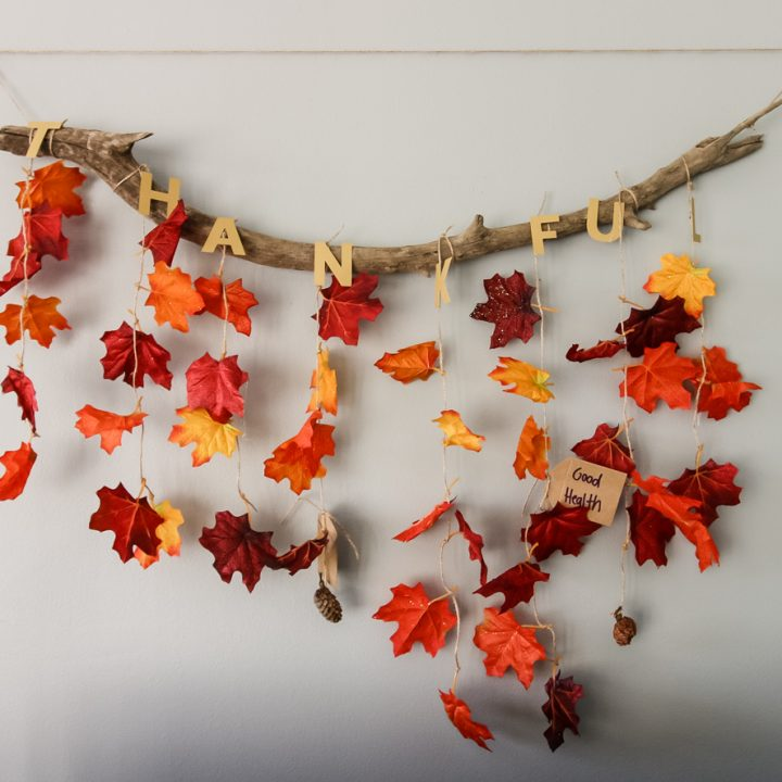 How to make a Thankful wall hanging