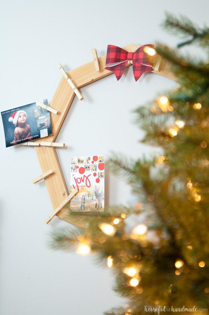 DIY Wood Christmas Card Wreath