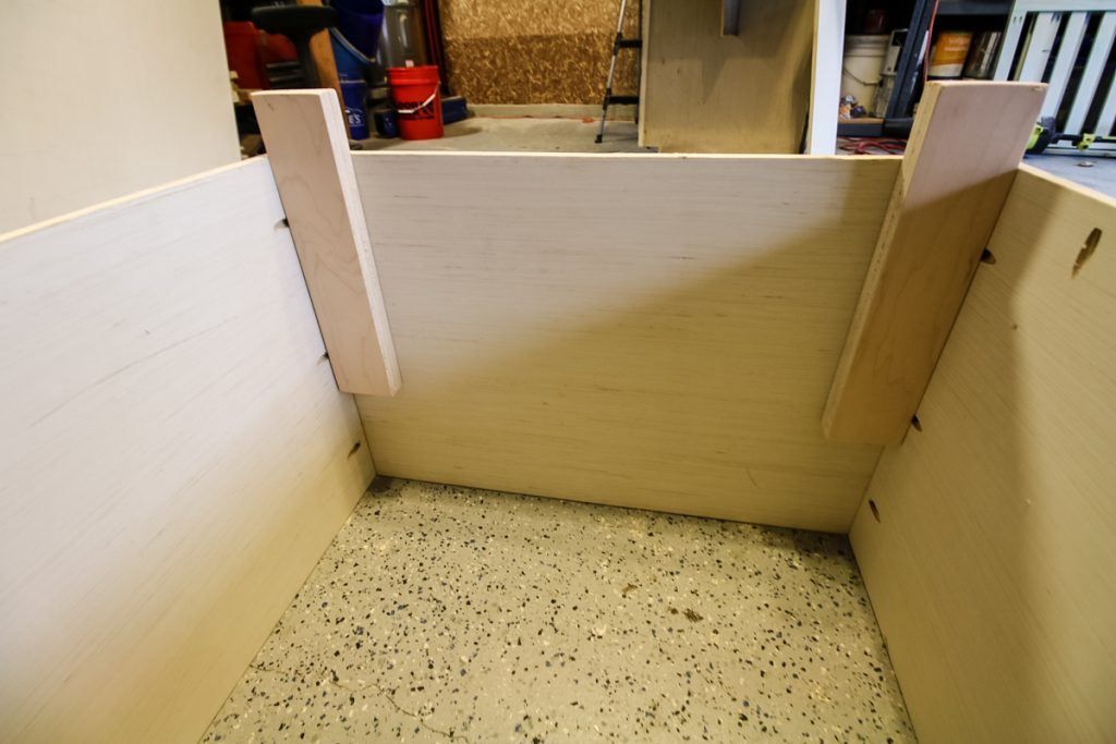 Legs of box stand