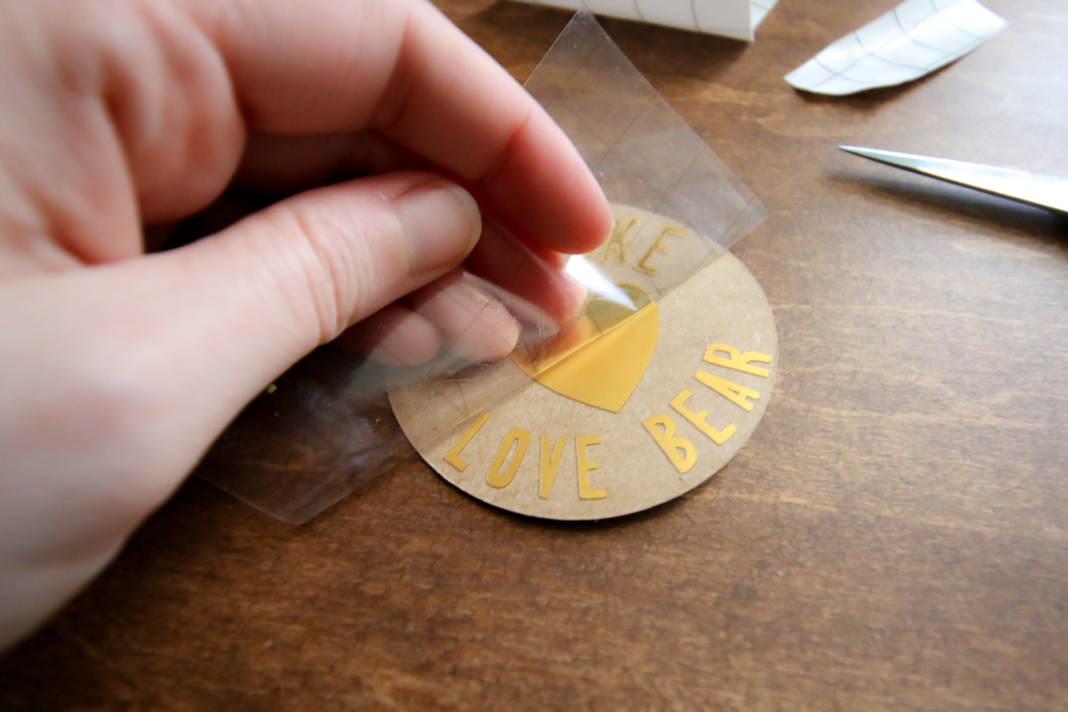 How to make easy gift tags with a Cricut