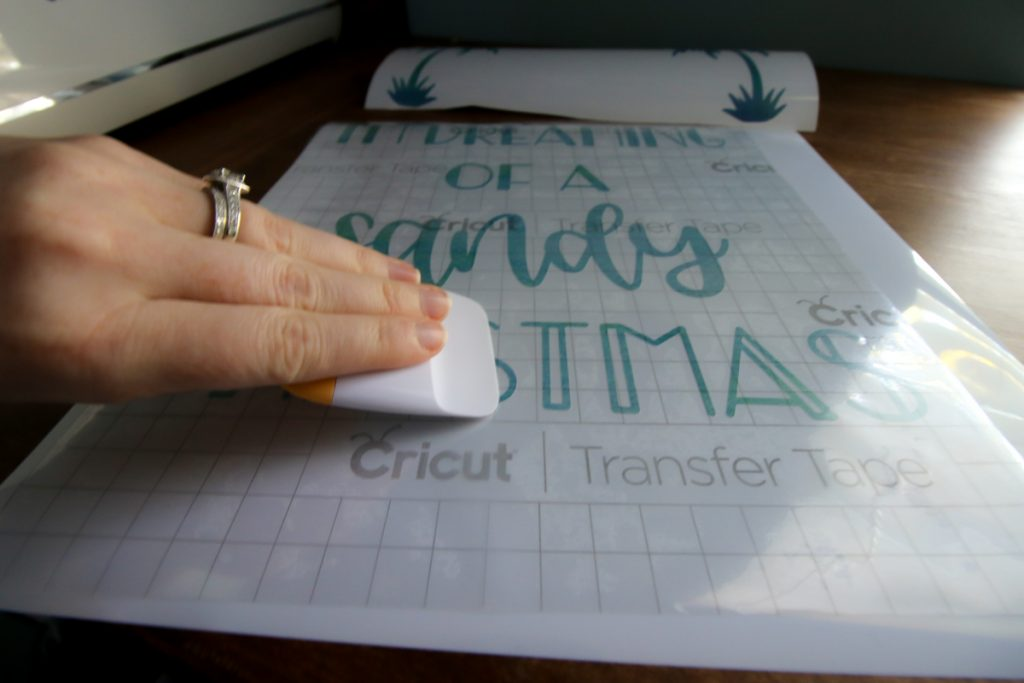 How to make DIY Cricut wood signs with vinyl lettering