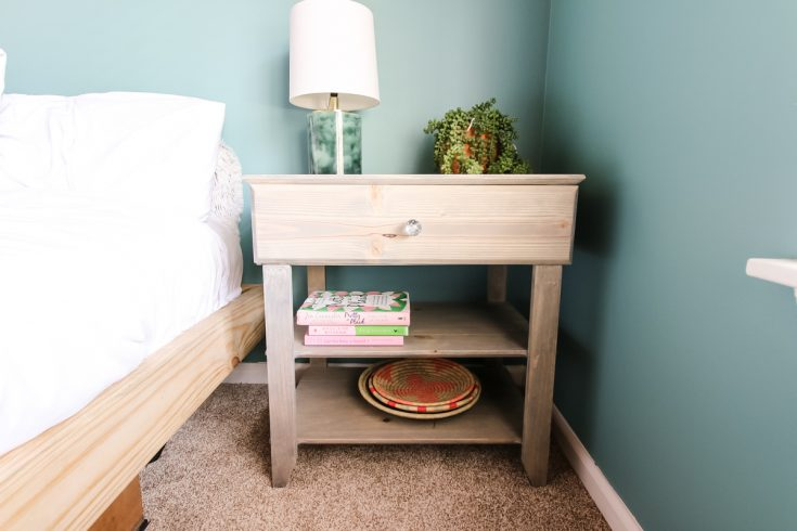 How to Build a DIY Nightstand with a Drawer - FREE PDF Plans!