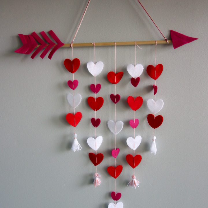 How to make a Valentine's Day Cupid's Arrow Wall Hanging