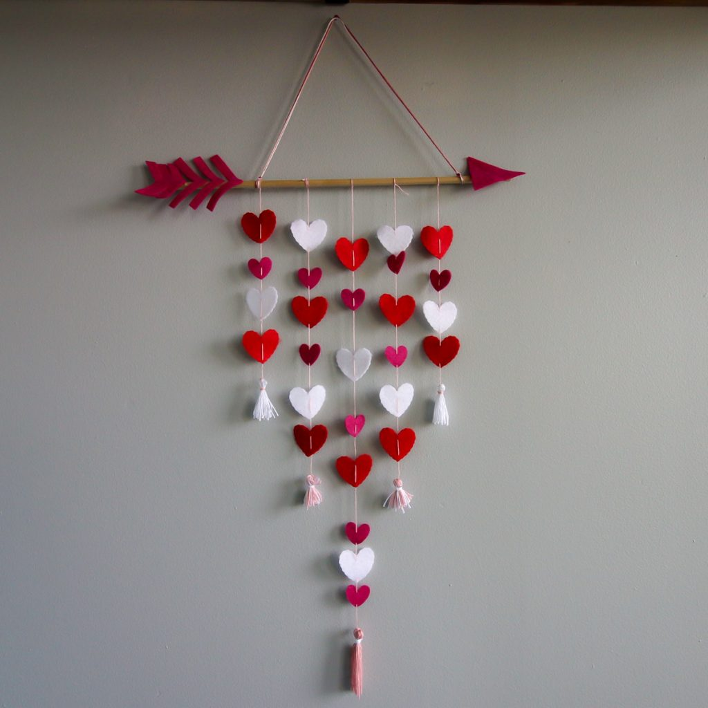 How to make a Cupid's Arrow Valentine's Day Wall Hanging