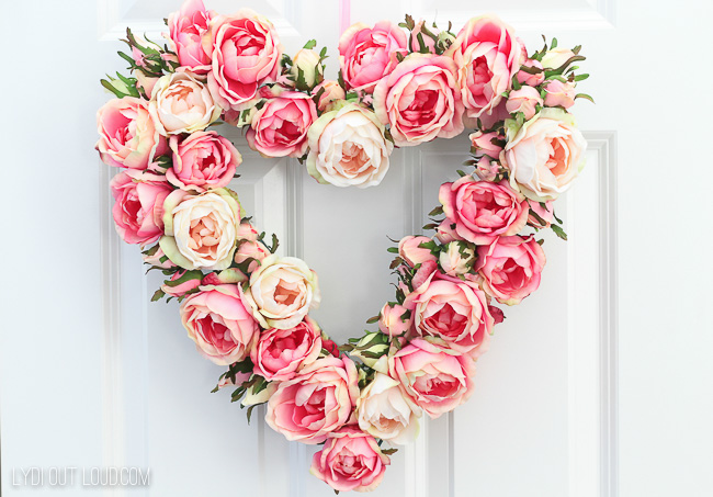 DIY Floral Valentine's Day Wreath