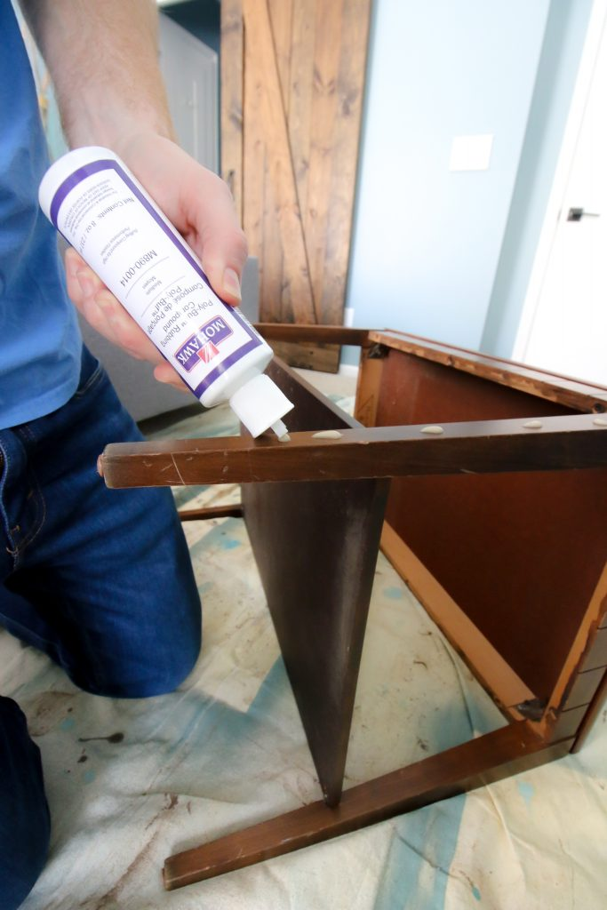 Applying medium polishing compound