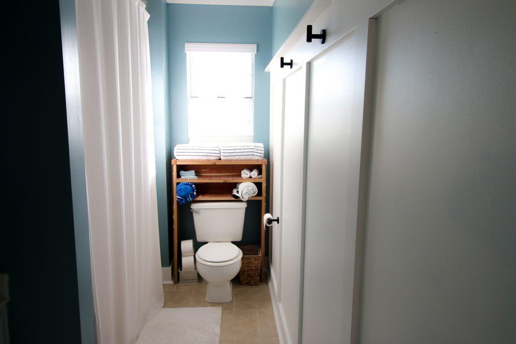 Final bathroom with Finished Elegance molding