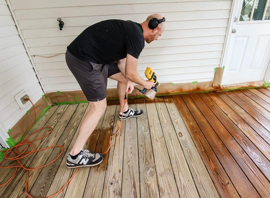 Spraying deck