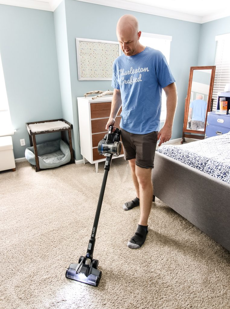 Vacuuming with Blade MAX
