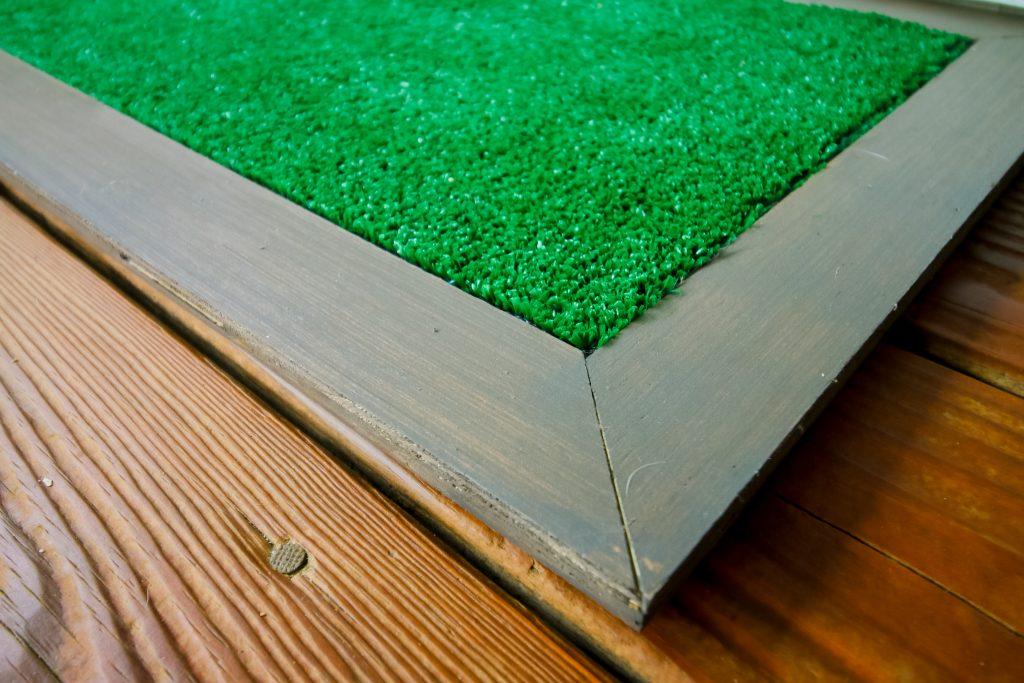 Mitered corner of doormat