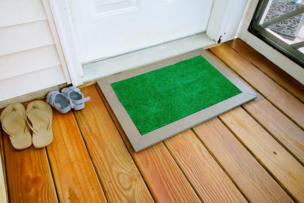 Astroturf doormat at door