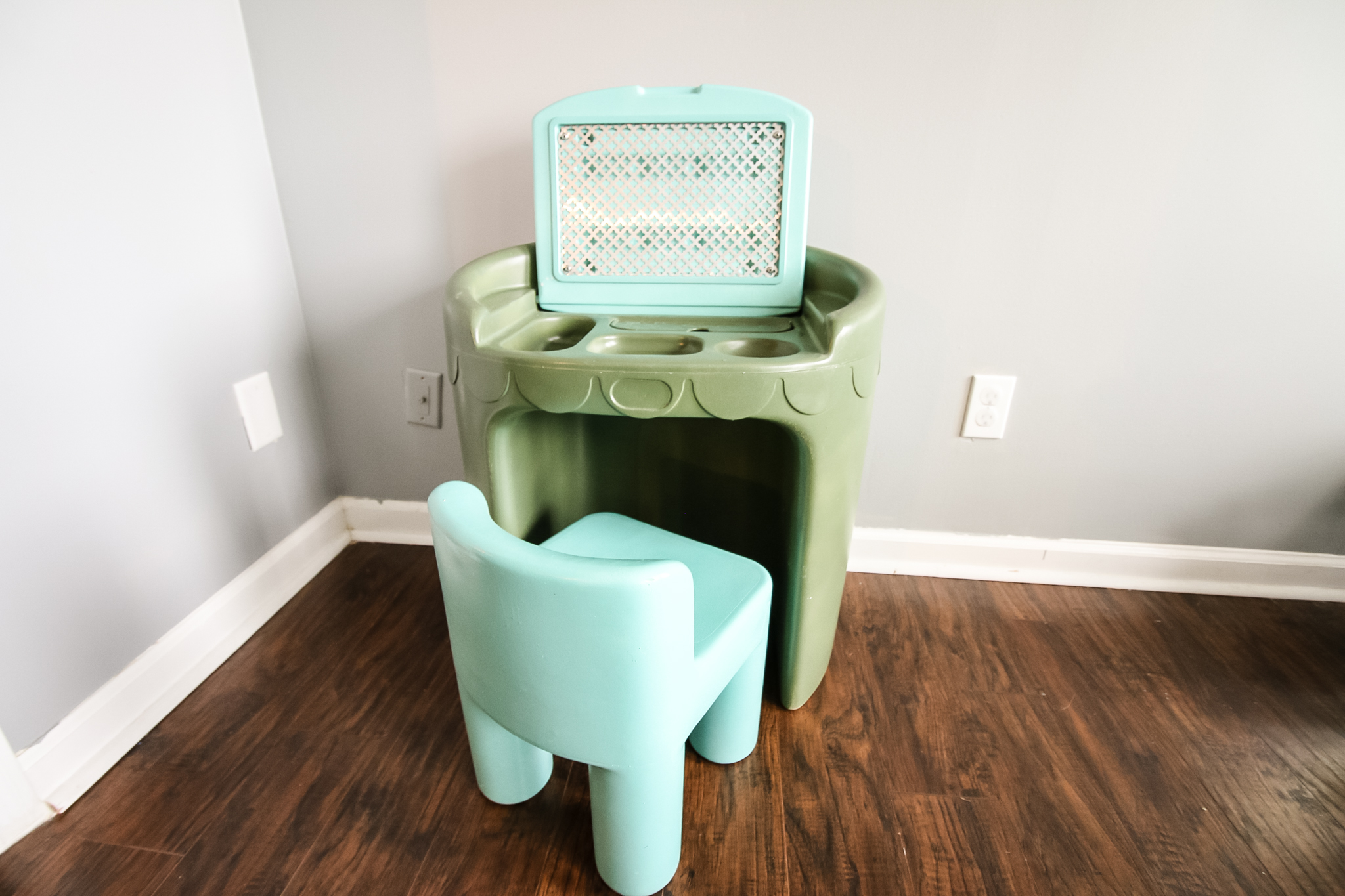 Final Thrift Flip Little Tikes Makeup Vanity