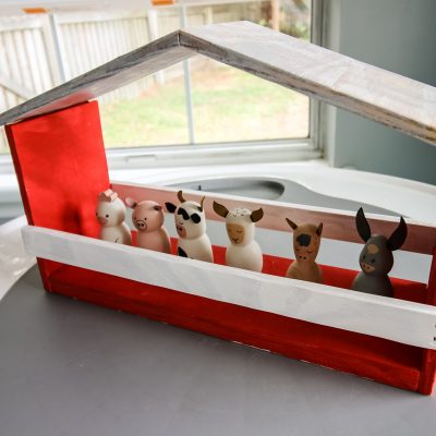DIY wooden toy barn - Charleston Crafted