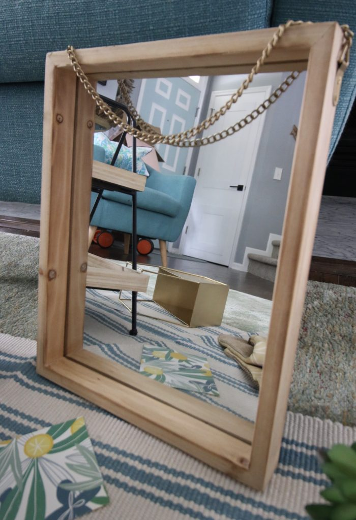 decocrated hanging mirror