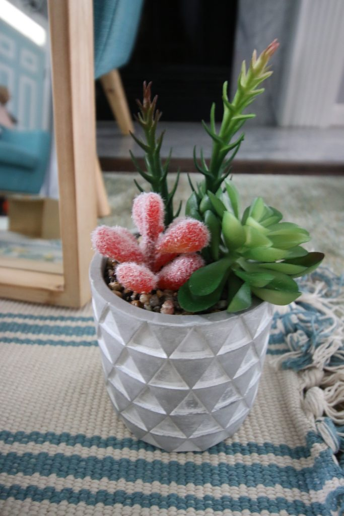 decocrated faux succulent