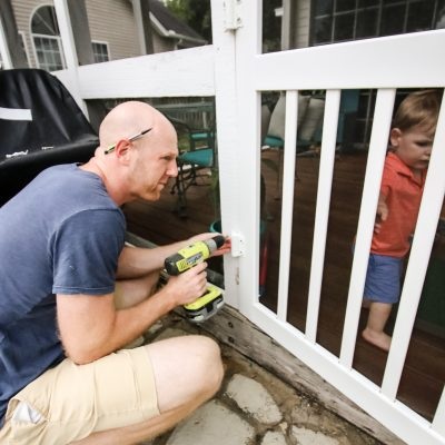 How to replace a screen door