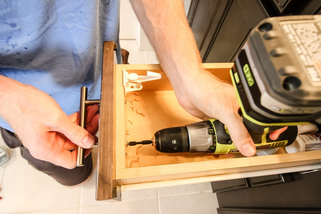How to replace cabinet hardware