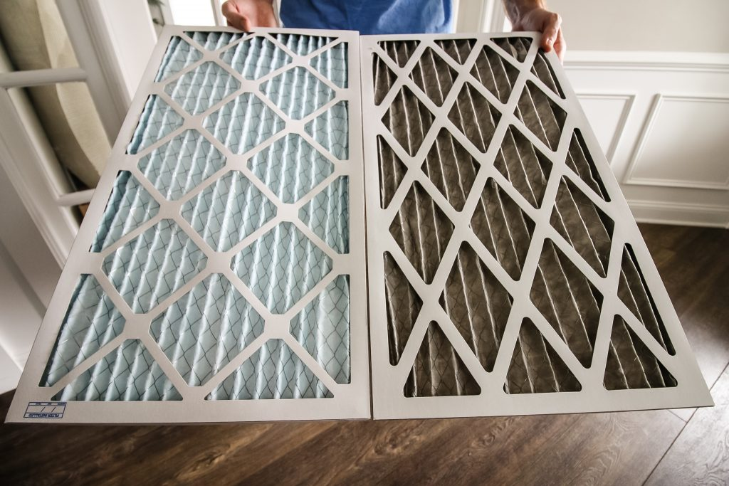 Clean air filter and dirty air filter