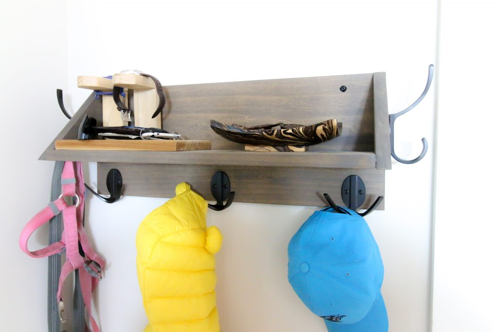 DIY Wooden entry shelf with hooks