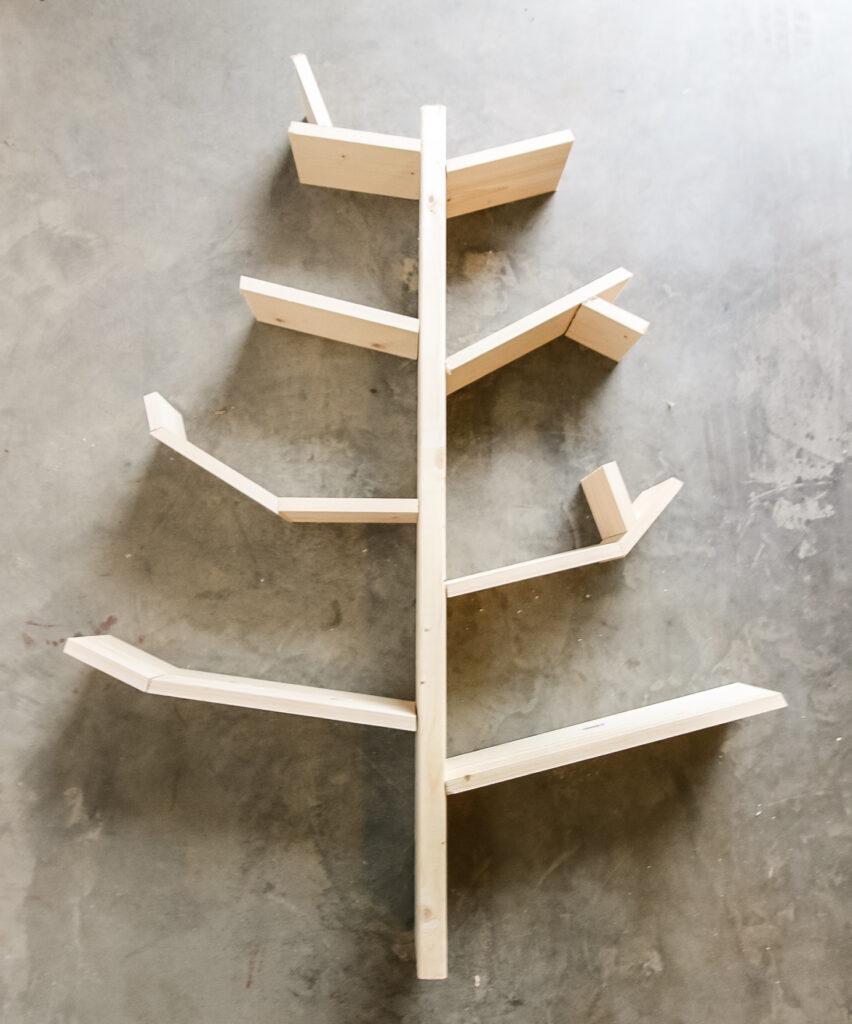 How to build a DIY tree bookshelf