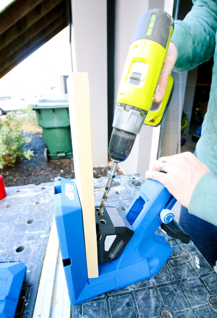 Drilling pocket holes with Kreg 720 Pro