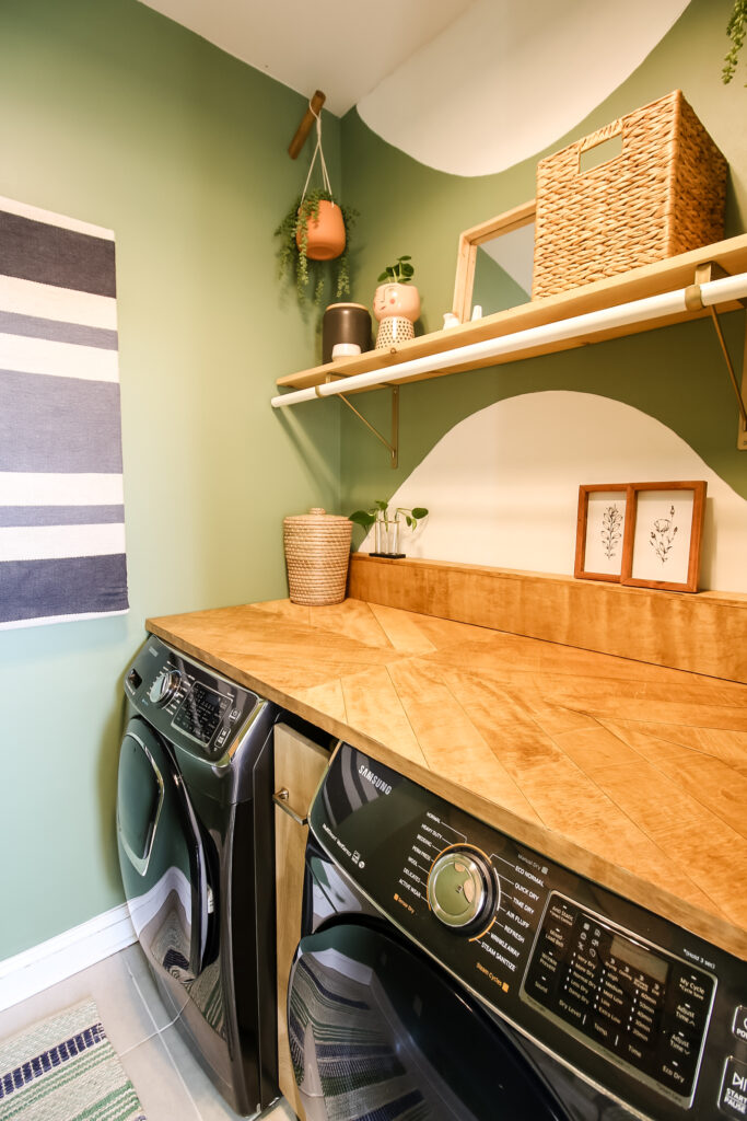 Behr Laurel Tree in a laundry room